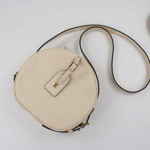 LOUIS VUITTON Crossbody Bags